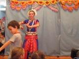 Говардхана Пуджа 2010 (танец)